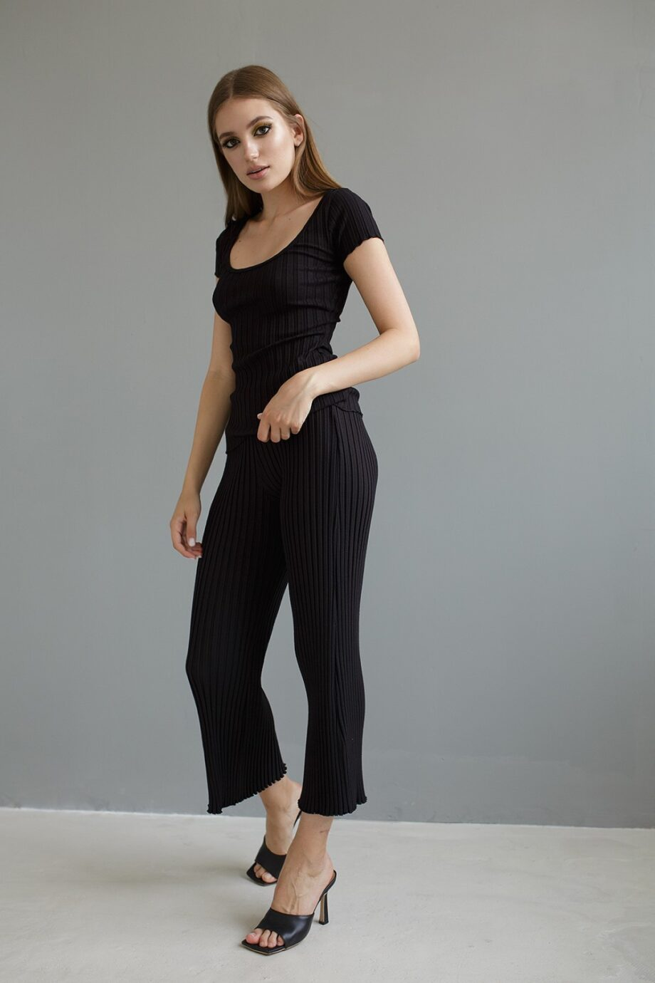 SIMON MILLER Трикотажные брюки